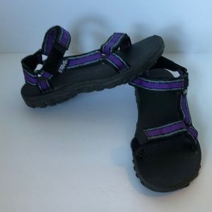 Teva's #1536 Womens Water sandals Size 7